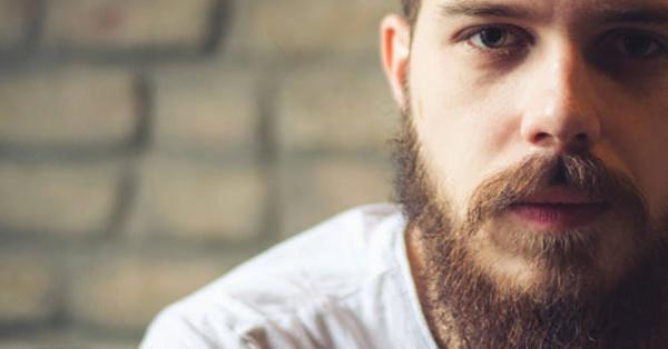 Las barbas tienen más bacterias que un inodoro